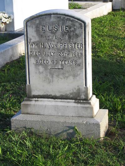 Key_West_Cemetery.jpg