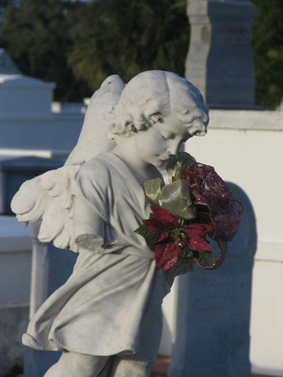 Key_West_Cemetery_angel.jpg